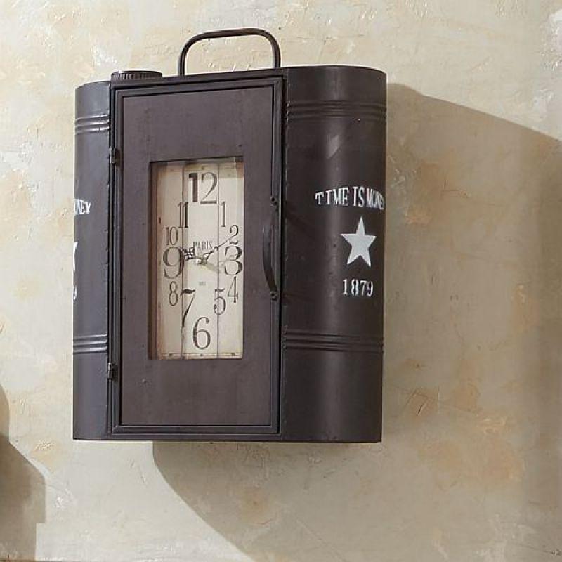 wandschrank mit integrierter uhr vintage look 82 40. Black Bedroom Furniture Sets. Home Design Ideas
